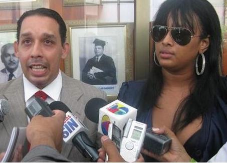 Abogado de Venya Carolina cobra 20mil pesos para entrevistarla?