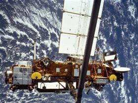 Caída a la Tierra de viejo satélite se retrasa?